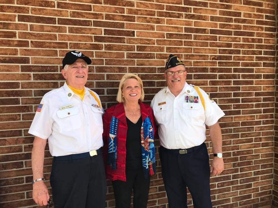 Ruth with veterans 2
